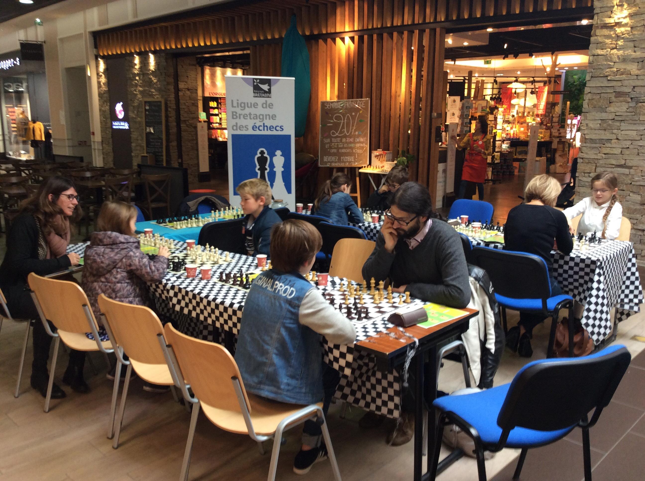Belle affluence pour les ateliers échecs Nature & Découvertes